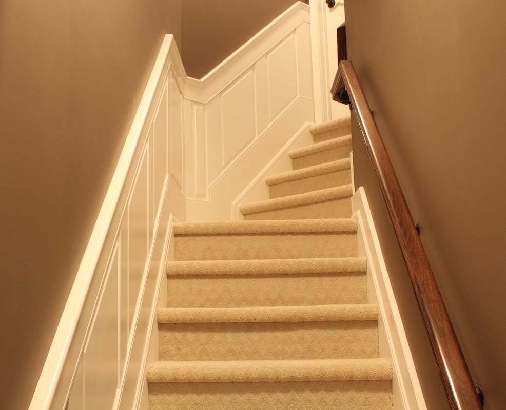 Elite RAISED Panel Wainscoting STAIR Kit   Paint Grade ...