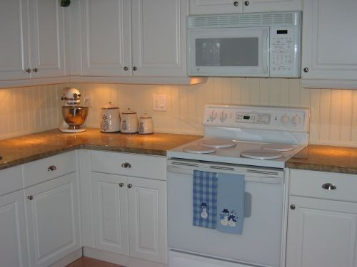 Kitchen_002.jpg