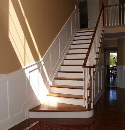 Stair Wainscoting. U003e